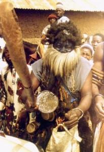 Czarownik podczas festynu w Minnie, Nigeria