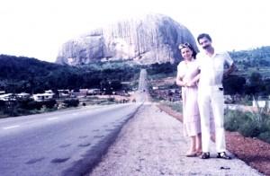 Zuma-rock, góra pszczół i miodu